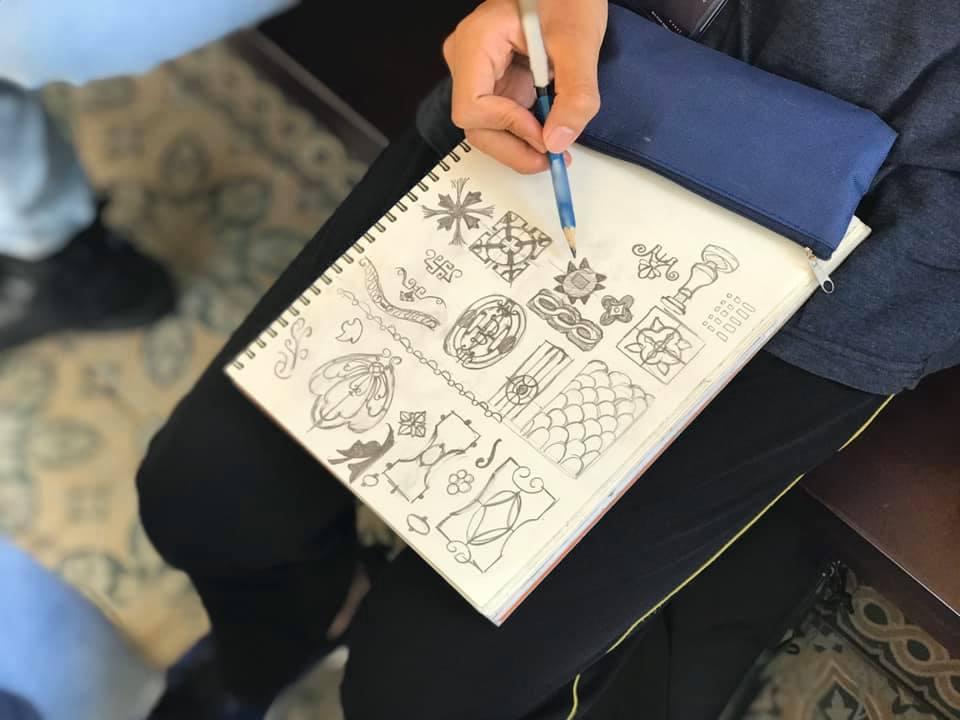 zest vẽ hoa văn kí họa cùng bảo tàng mỹ thuật thành phố sài gòn