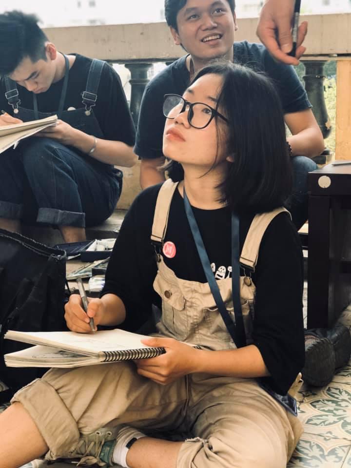 học viên luyện thi vẽ khối v h zest art kí họa ở bảo tàng mỹ thuật
